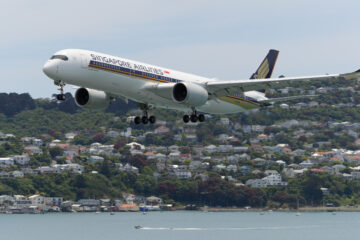 Airbus A350 9V-SMH